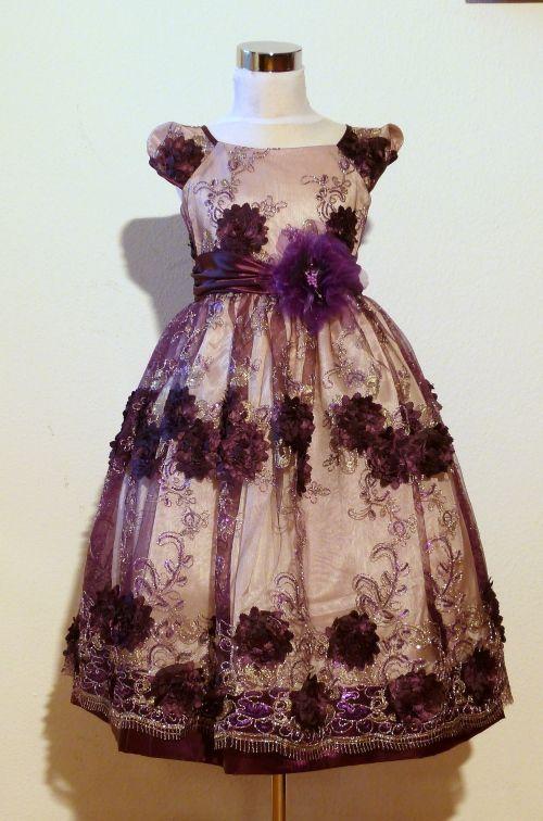 KO 118 18500.-Ft : mélybordó csipkés elegáns kislány alkalmi , koszorúslány ruha