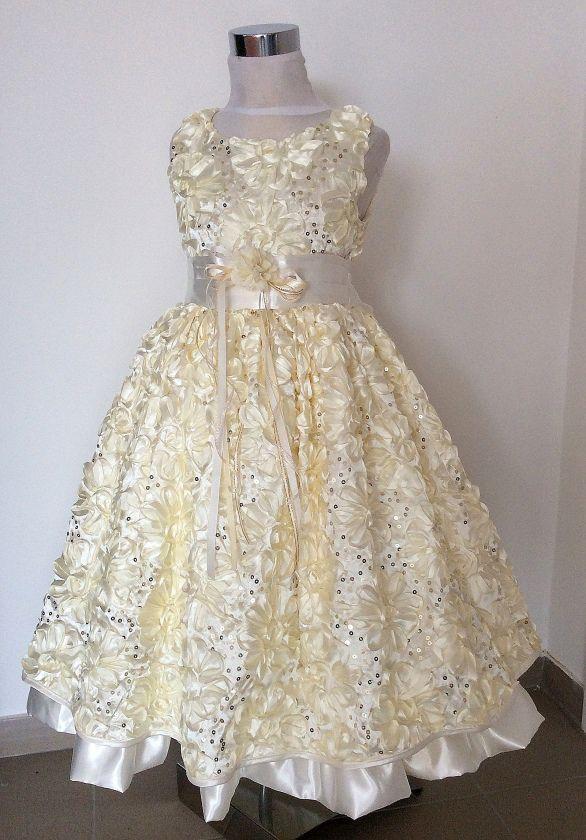 KO 132 23000.-Ft : világos sárga strassz díszítésű ruha