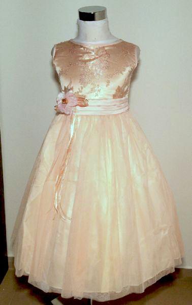 KO 029 23000.- Ft : barack koszorúslány ruha 4 rétegű alsószoknyával