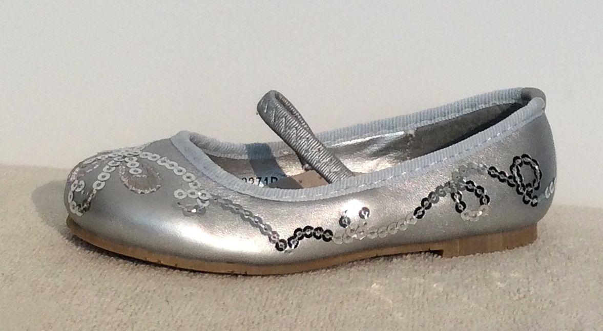 cipő81 : lapos talpú kislány alkalmi ezüst cipő