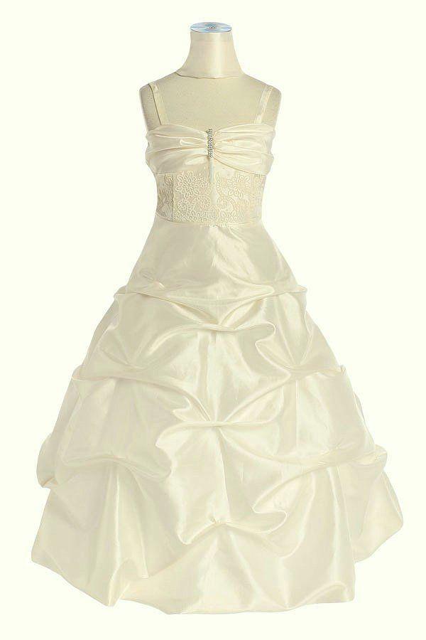 KO 111 17980.-Ft : hosszú állású hímzett koszorúslány ruha