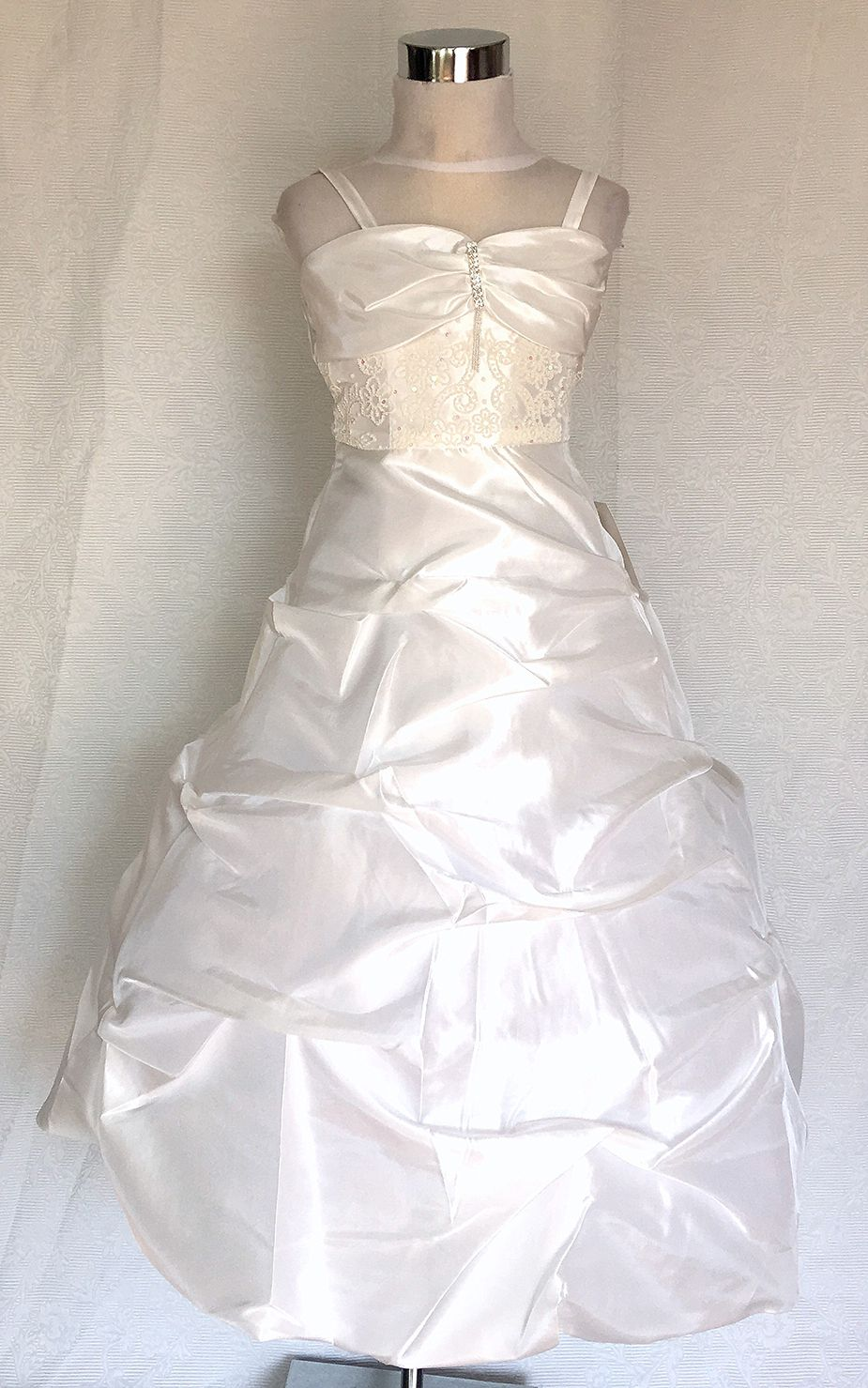 Koszorúslány ruha KO 111 : hosszú állású hímzett koszorúslány ruha