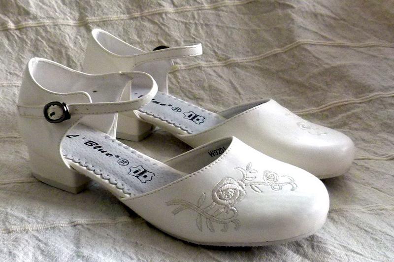 Koszorúslány cipő 05