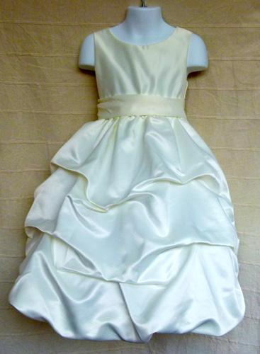 Koszorúslány ruha KO 100 : hosszú koszorúslány ruha kamaszoknak 4 rétegü alsószoknyával