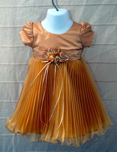 Koszorúslány ruha KO 036
