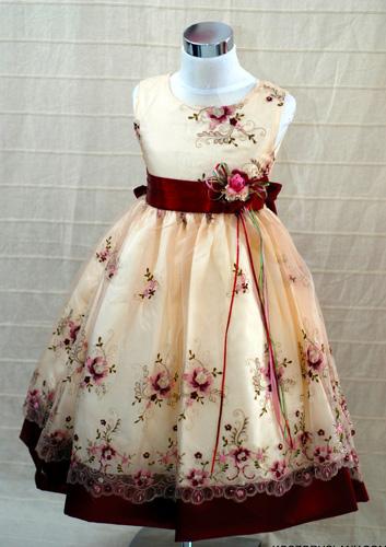 Koszorúslány ruha KO 052 : kamasz koszoruslány ruha szatén,selyem kombinációval