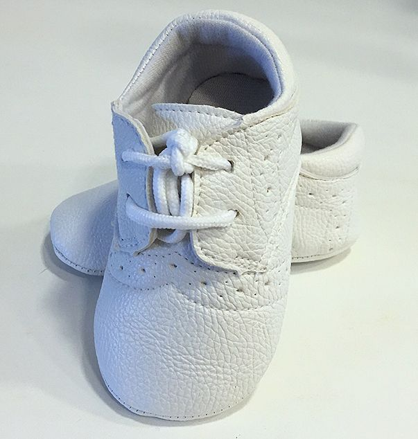 Keresztelő cipő fiú 001 : bőrhtású magasabb szárú keresztelő vay baba cipő kisfiúknak