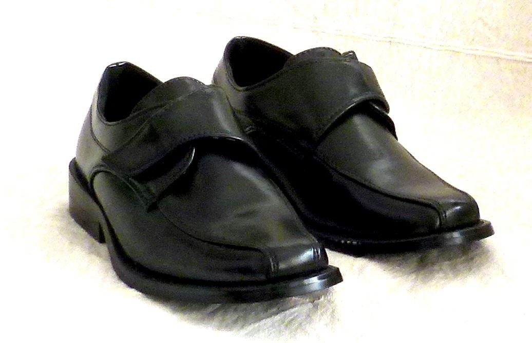 Cipő 10 : tépőzáras fiú cipő