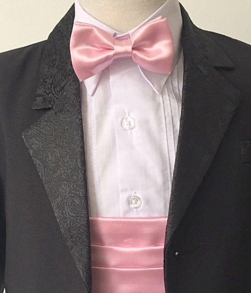 gyerek öltöny OT201 : Gyermekeknek 2 éves kortól egészen 16éves korig öltöny , szmoking , frakk csokornyakkendővel , spanyolővvel ,mellénnyel sok féle szinben.