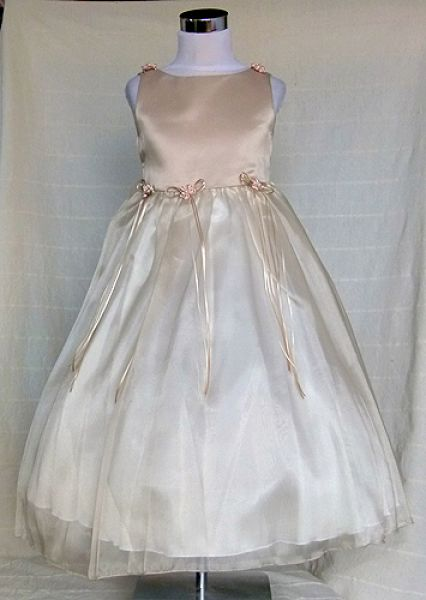 KO 027 19600.- FT : selyemszallag virágos alkalmi ruha pezsgő színben