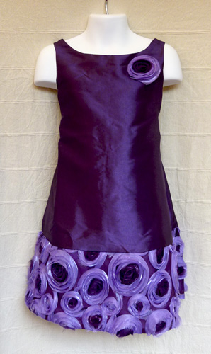 KO 094 5000.-Ft : hosszu koszoruslány ruha kamaszoknak 4 rétegü alsószoknyával már csak 1 darab akciós áron