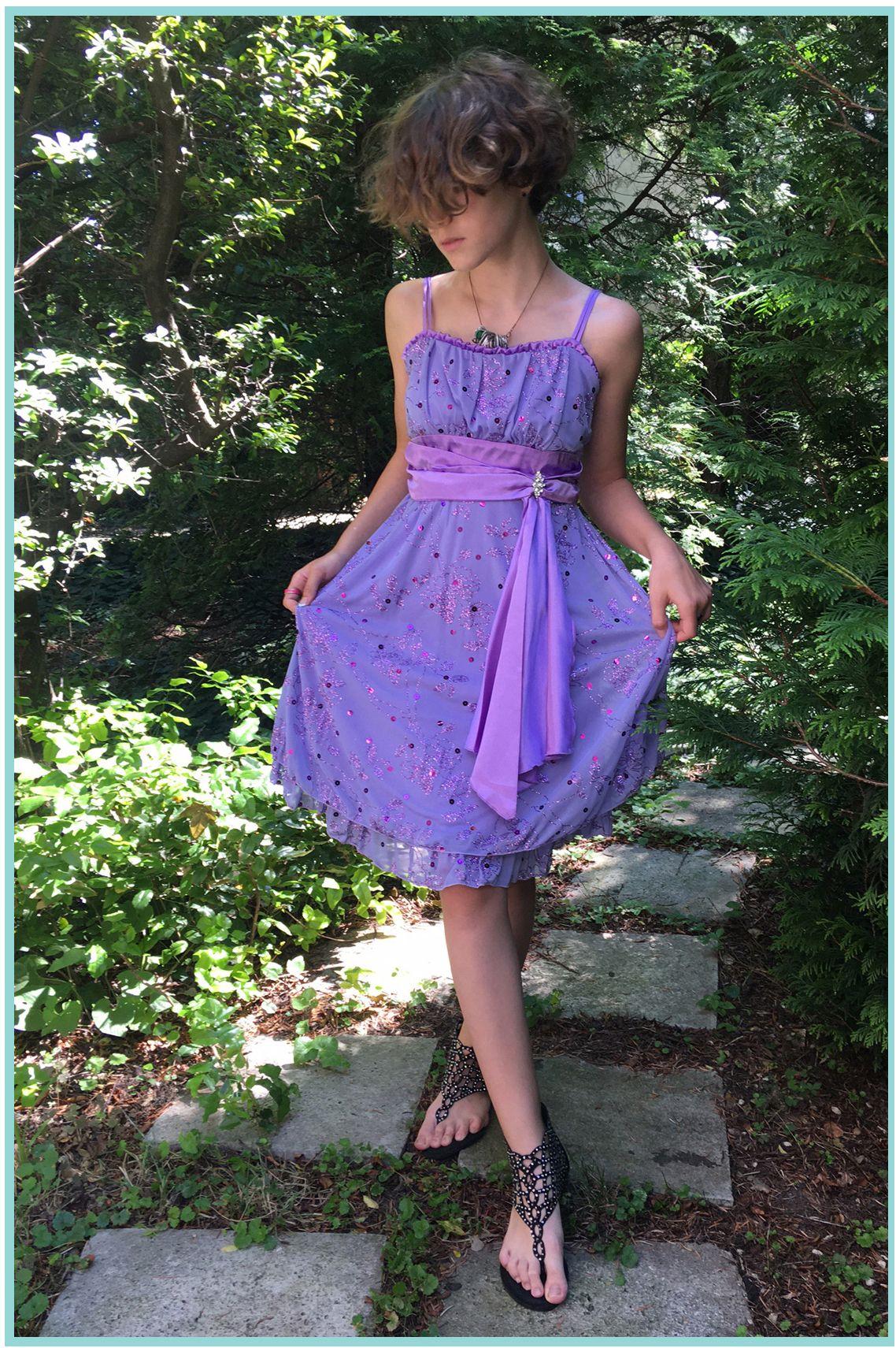 KO 010 23000.- Ft : swarovski kristályokkal díszített gyönyörű hercegnő ruha alkalomra
